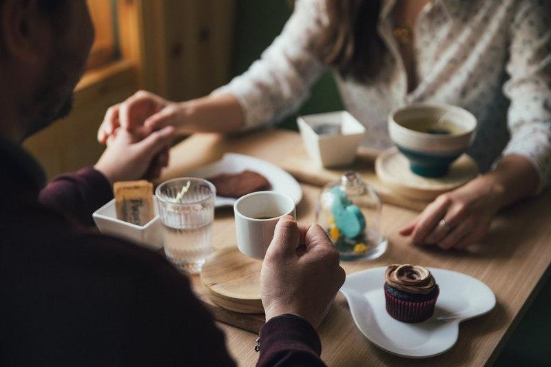 couple restaurant rencontre