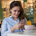 Comment envoyer un SMS à une fille pour la première fois et créer un attrait