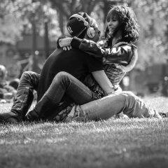 Comment séduire une femme par le toucher