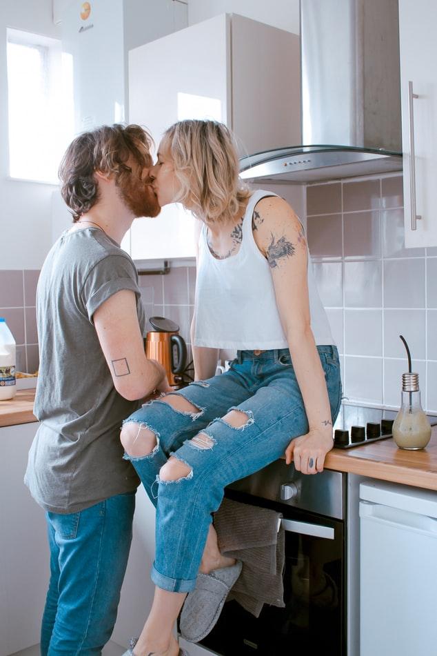 le baiser lie votre relation